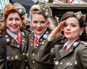 Dutch Andrews Sisters - Thee Matinee